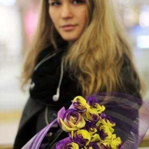 Букет 25 желто-фиолетовых роз
