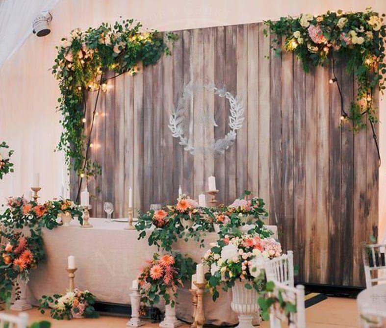 Президиум на свадьбу с гирляндой, гортензиями, розами и альстромерией