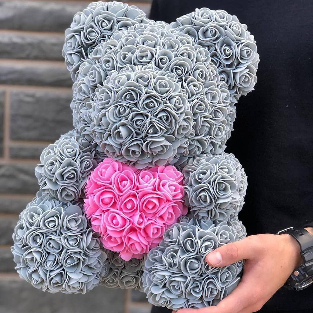 Серебряный\серый мишка из фоамирановых роз с сердцем 40 см (с ароматом)
