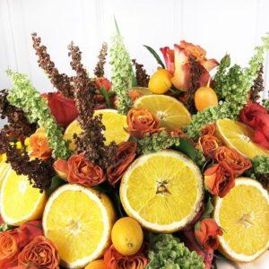 Авторская композиция с апельсинами и розами (заказчик Ginza)