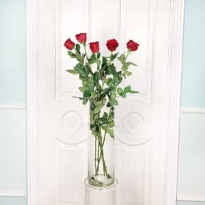 Букет 5 красных роз высотой 110см