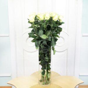 Букет 15 белых роз высотой 100см