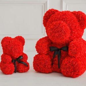 Мишка красный из фоамирановых роз маленький 25 см (с ароматом)