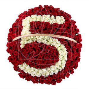 Большая корзина 251 роза на юбилей 5 лет