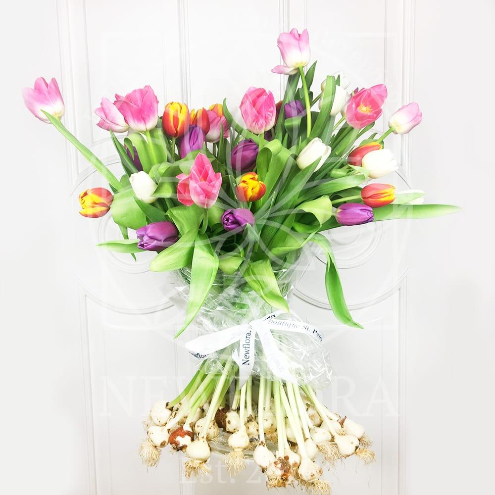 Интересные эксклюзивные букеты с тюльпанами
