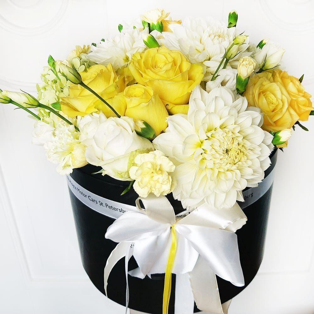 Шляпная коробка с розами и георгинами (заказчик Rolls-Royce St.Petersburg)