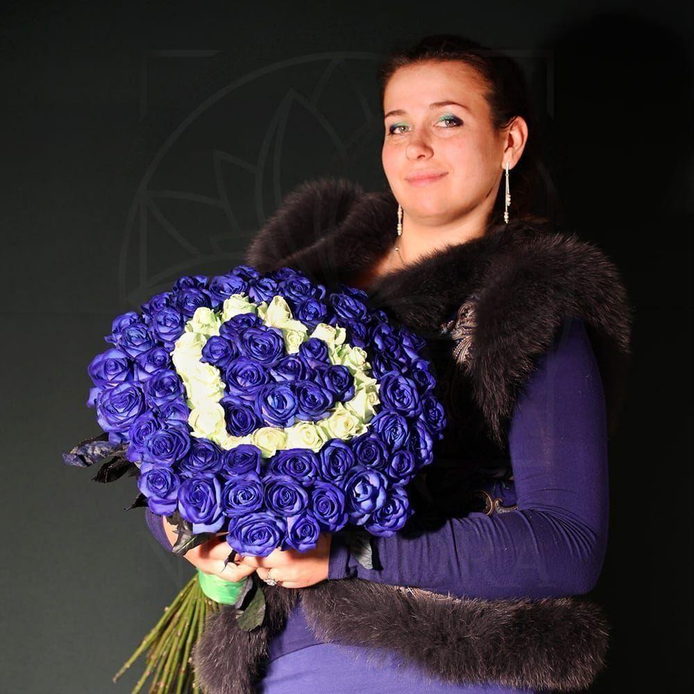 Букет сердце 75 синих роз с белыми