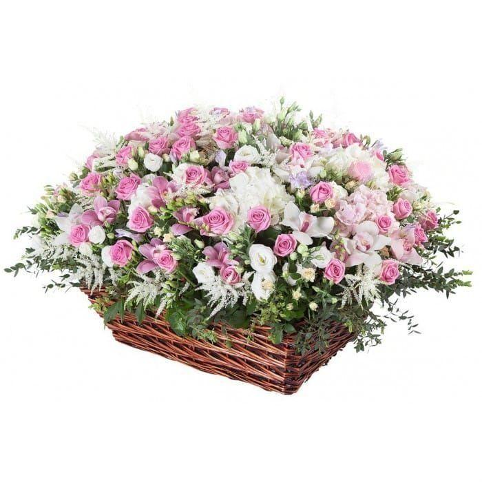 Огромная корзина цветов с орхидеями, гортензиями, фрезиями и розой