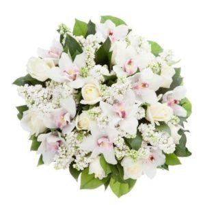 Букет 11 орхидей с розами и сиренью