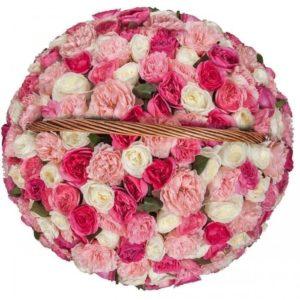 Корзина 101 ароматная пионовидная роза