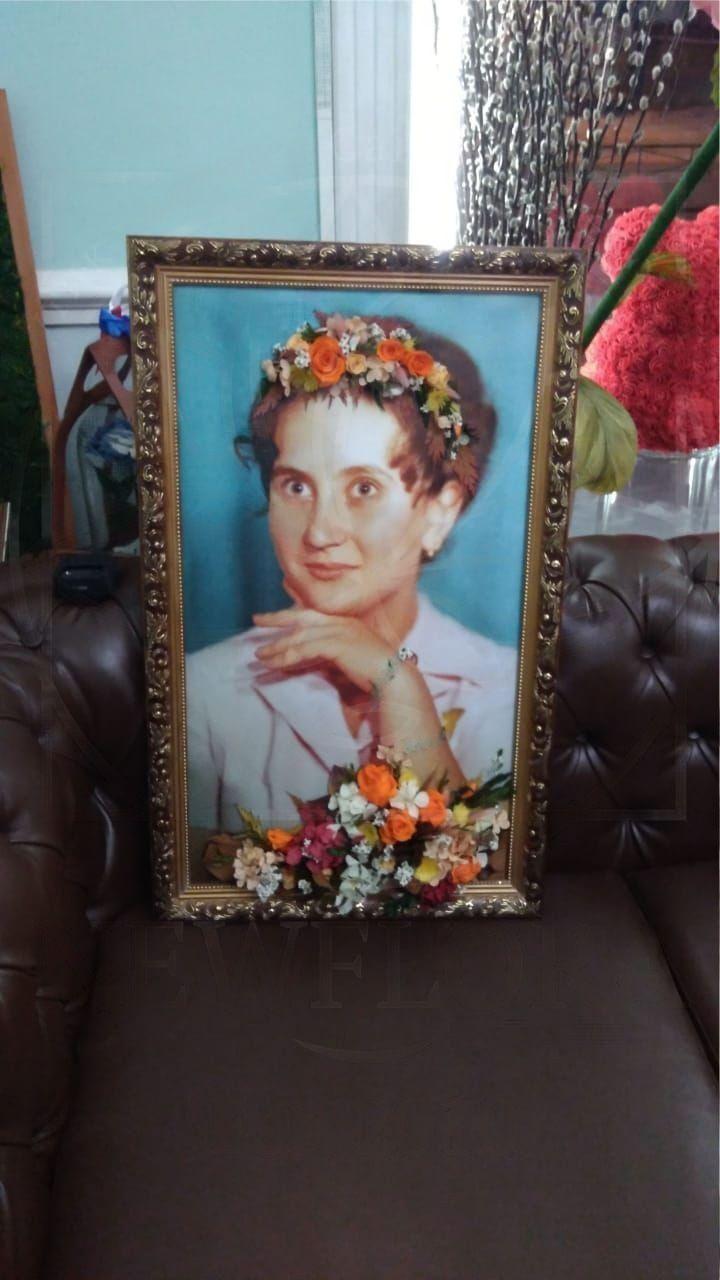 Портрет из стабилизированных цветов #3