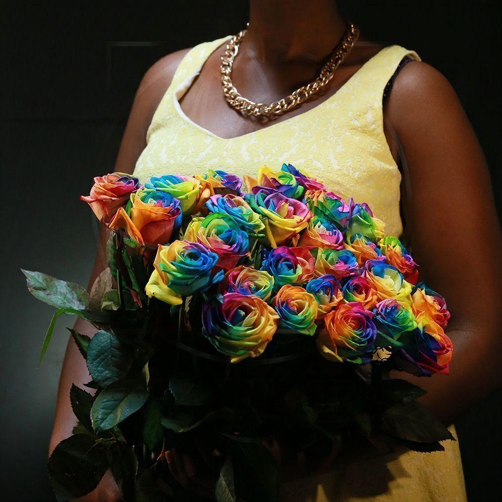Букет 25 радужных роз