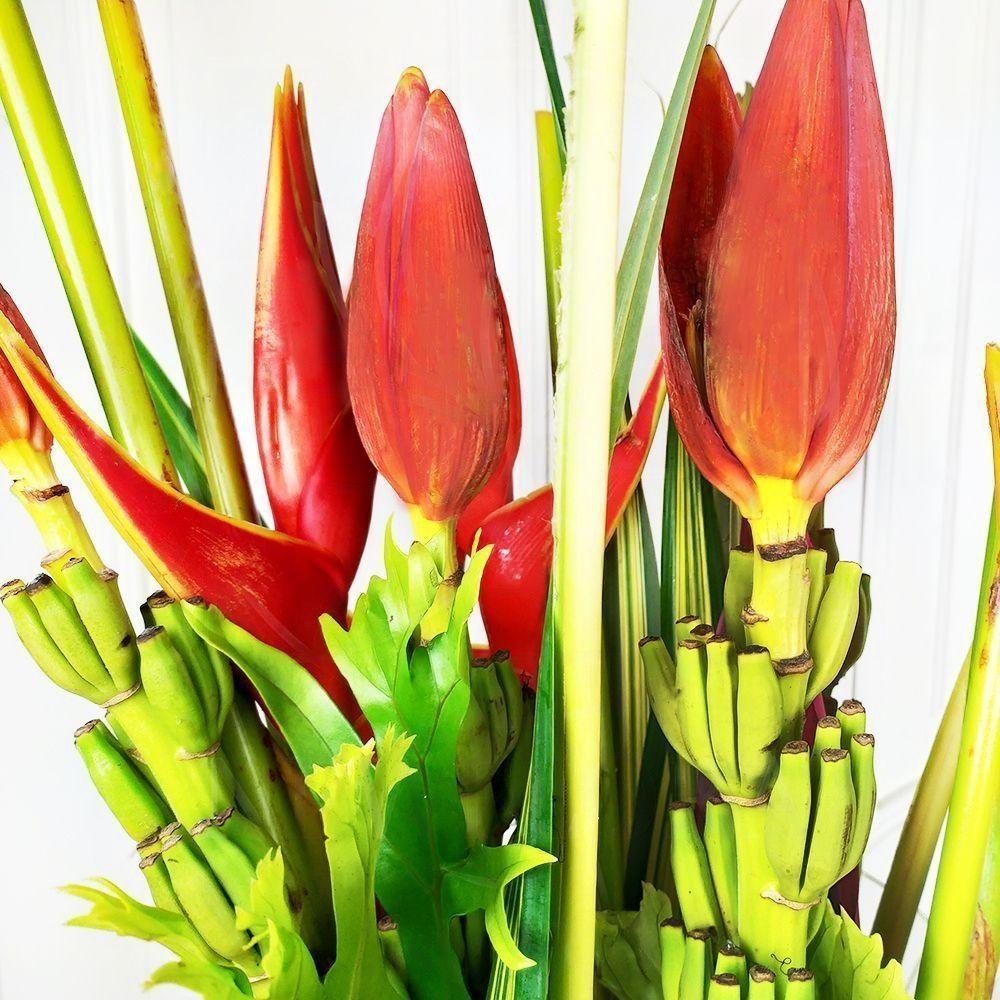 Букет 3 цветка банана с 2 геликониями и тропической зеленью