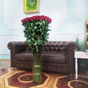 Букет 101 красная роза высотой 120см