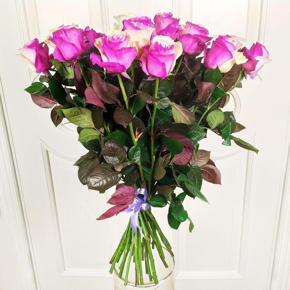 Букет 25 бело-розовых роз (под заказ)