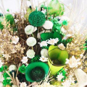 Букет сухоцветов зелёный с матрикарией 35×17см
