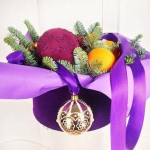 Бархатная коробка с мандаринами и корицей на Новый Год (D20см)