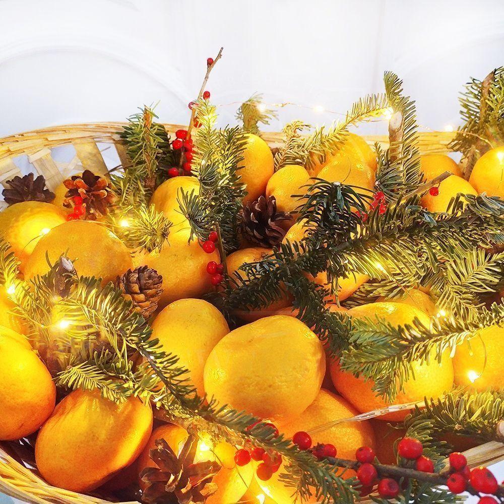 Новогодний набор мандаринов (7кг) с гирляндой, пихтой и шишками
