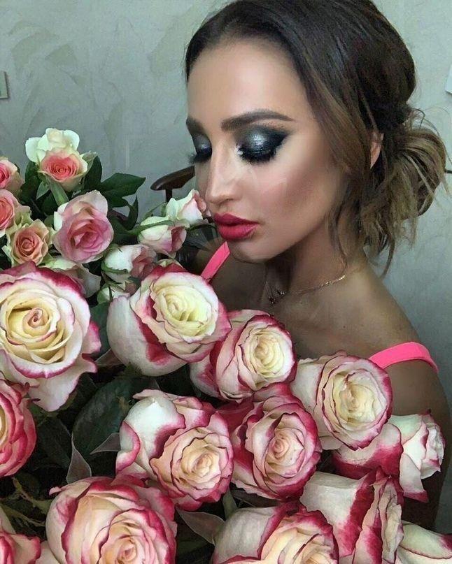 Букет 101 красно-белая роза «Sweetness» (Ольга Бузова)