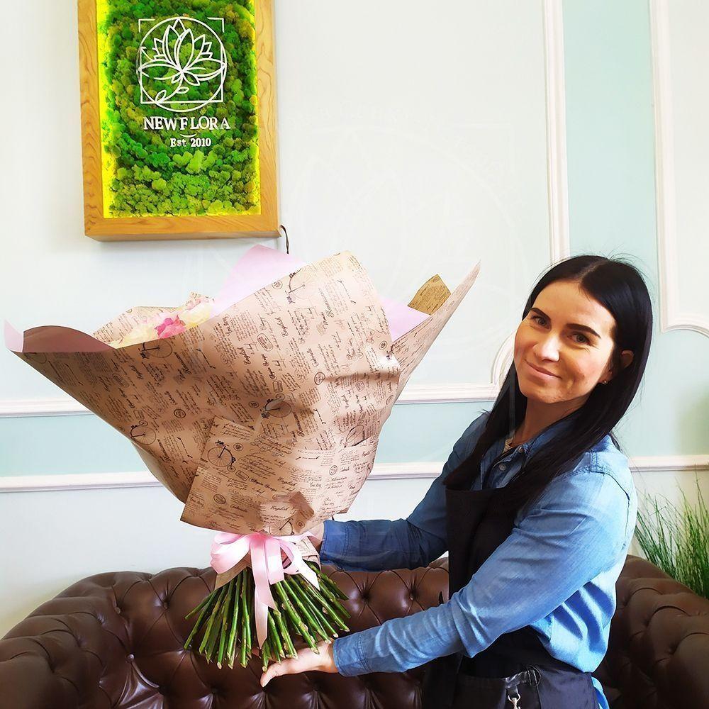 Букет 101 пионовидная ароматная роза White и Pink Ohara