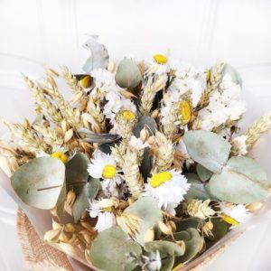 Букет сухоцветов акролиниум, рожь и статица